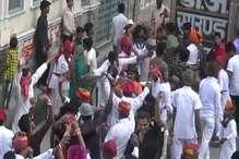 VIDEO: सुजानगढ़ में होली की बिंदोरी में रसियों ने रचे एक से बढ़कर एक स्वांग