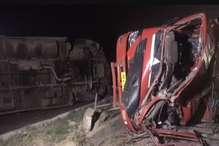 करनाल में ट्रक और बस की टक्कर के बाद कई वाहन आपस में भिड़े, दो घायल