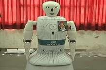 मशीनी मानव 'ज्ञानी' भी इस चुनाव में कर रहा युवाओं को वोट डालने के लिए जागरूक