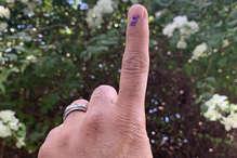 लोकसभा चुनाव में वोटिंग खत्म होने के बाद अब आचार संहिता को लेकर राजनीति शुरू
