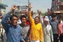 सरकारी केंद्रों के गेहूं व सरसों की खरीद न होने से परेशान किसानों ने लगाया जाम