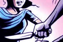'तुम्हारे पति ने गिफ्ट भेजा है' कहकर निकाला चाकू, प्रेमी की पत्नी पर कर दिया हमला