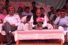 CM ने पनारसा की जनसभा में विपक्ष को बताया बरसाती मेंढक