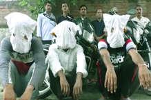 हरियाणा: पुलिस ने तीन चोर के साथ सात बाइकें जब्त की