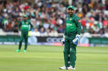 कप्तान सरफराज की इस गलती पर तमतमाया पाकिस्तान, बताया- 'मामू'