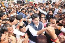 Rajasthan Election Result 2018: सचिन पायलट के घर के बाहर मन रहा जश्न