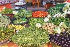 आसमान पर सब्जियों के दाम, लोग परेशान