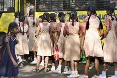 छात्राओं को ले जा रहे वाहन में हो महिला अटेंडेंट