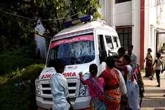बच्चे की मौत के बाद परिजनों का 'तांडव', अस्पताल के ओटी और एम्बुलेंस को बनाया निशाना