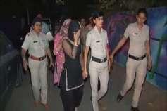 स्पा की आड़ में चल रहे सेक्स रैकेट का भंडाफोड़, 6 युवतियों समेत 9 लोग गिरफ्तार