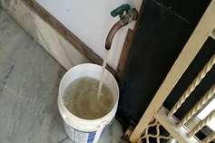गंदे पानी से परेशान बहादुरगढ़ के लोग, खरीद कर पानी पीने को मजबूर