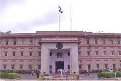 चुनाव से पहले प्रदेश की ब्यूरोक्रेसी में बड़ा फेरबदल, 75 IPS और 30 IAS के तबादले