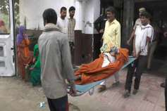 मंदिर के पांच पुजारियों की जीभ काटी, दो की मौत