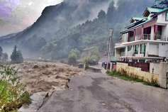 जानिए- हिमाचल की टूरिज्म इंडस्ट्री पर कितना भारी पड़ेगा 'कुदरत का कहर'?