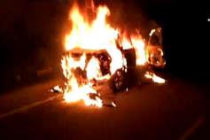 गोरखपुर में उपद्रवियों ने पुलिस चौकी में की तोड़फोड़, जीप में लगाई आग