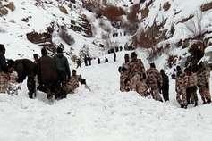 हिमाचल में बड़ा रेस्क्यू ऑपरेशन, बर्फ में दबे 5 जवानों को बचाने के लिए उतारी फोर्स