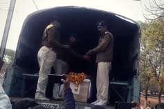 LIVE: थोड़ी ही देर में जबलपुर पहुंचेगा शहीद अश्विनी का पार्थिव शरीर