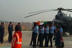 BREAKING: विमान हादसे में शहीद विंग कमांडर साहिल गांधी का पार्थिव शरीर पहुंचा हिसार