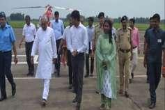 बिहार: CM नीतीश ने किया बाढ़ से जूझ रहे इलाकों का दौरा