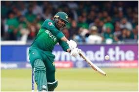 भारत के खिलाफ पानी पिलाने वाले पाकिस्तानी खिलाड़ी ने मचाया 'कोहराम', लगाया रोहित शर्मा जैसा छक्का