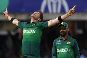19 साल के पाकिस्तानी गेंदबाज की रिकॉर्ड तोड़ बॉलिंग, कई रिकॉर्ड कर दिए ध्वस्त