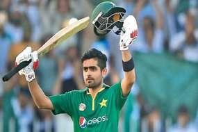 पाकिस्तानी बल्लेबाज बाबर आजम ने तोड़ी लोकप्रियता की हदें, प्रशंसकों ने ठप कर दी वेबसाइट