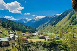 कौन सी दो धाराएं कश्मीर के परिप्रेक्ष्य में इस्तेमाल की जाती हैं ?