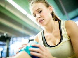 घुटनों के दर्द में बिल्कुल न करें ये 5 काम, वरना हो जाएंगे और बीमार
