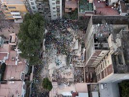 एक पल में ढहीं गगनचुंबी इमारतें और मकान बने खंडहर, भूकंप से ऐसा हो गया मेक्सिको