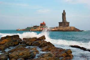 समुद्र में मौजूद इस चमत्कारी चट्टान से शुरू हुआ विवेकानंद का सफर