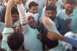 चूरू में 'मेरा बूथ-मेरा गौरव' सम्मेलन में हंगामा, कार्यकर्ताओं में चले लात-घूसे