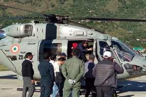 PHOTO: पैटसियो से एयरफोर्स विमान में रेस्क्यू कर कुल्लू लाए गए बंगाल के 5 लोग