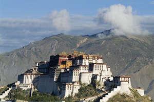 1000 कमरों और 13 मंजिल का है दलाई लामा का महल, अंदर हैं 2 लाख मूर्तियां