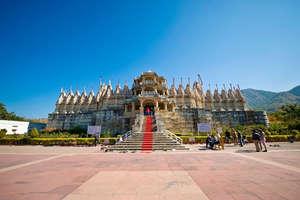 1500 खंभों पर टिका है ये भारतीय मंदिर, चमत्कारिक तरीके से होते हैं भगवान के दर्शन