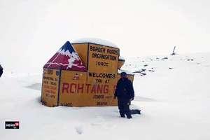 PHOTOS: 14 साल बाद सितंबर में रोहतांग में बर्फबारी, मनाली-लेह हाईवे बंद