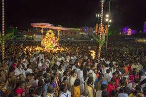 भगवान बालाजी मंदिर में गरुड़ सेवा यात्रा में शामिल हुए लाखों श्रद्धालु, देखें तस्वीरें