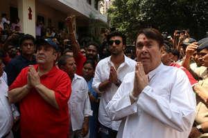 Ganpati Visarjan: आरके स्टूडियो का आखिरी गणपति विसर्जन, नम आंखों से दी कपूर परिवार ने विदाई