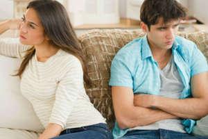 ये 5 बातें, जो बताती हैं धोखा दे रहे हैं बॉयफ्रेंड या गर्लफ्रेंड