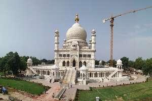 ताजमहल के पास 114 साल से बन रही है ये इमारत, 400 करोड़ आई है लागत