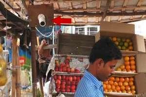 PHOTOS: ऐसा क्या हुआ कि ठेले पर नज़र रखने के लिए पड़ी CCTV की जरुरत