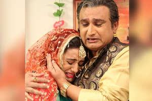 भोजपुरी एक्ट्रेस अक्षरा सिंह ने चुपके-चुपके रचा ली शादी, क्या है इन तस्वीरों का सच?