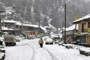 PHOTOS: छितकुल में बिछी सफेद चादर, इस दिन से हिमाचल में साफ होगा मौसम
