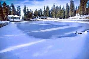 PHOTOS: ठंड ऐसी कि रूह भी कांप उठे! जम गई मंडी की कमरुनाग झील