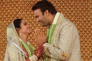 नहीं देखी होंगी ईशा अंबानी की शादी की ये ख़ास तस्वीरें, पहनी थी मां नीता अंबानी की साड़ी