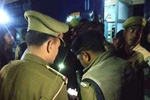 कालिंदी एक्सप्रेस की जनरल बोगी के टॉयलेट में धमाका, तस्वीरों में देखें