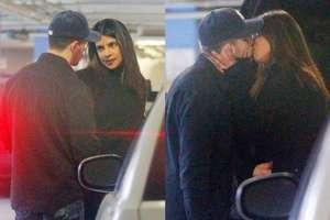 छुपकर कार पार्किंग में Kiss करते पकड़े गए प्रियंका चोपड़ा-निक जोनस, हॉट Pics Viral