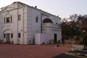 तेजस्वी के इस पूर्व बंगले में क्या है खास जिसके आगे राजभवन और CM HOUSE भी फेल है!
