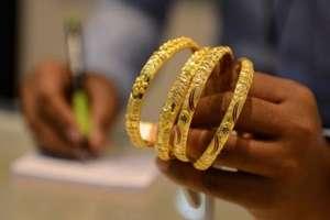 खुशखबरी! सोना खरीदना लगातार दूसरे दिन सस्ता! अब 10 ग्राम की कीमतें गिरकर इतने रुपये हुई