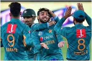 पाकिस्तान को बड़ा झटका, वायरस की वजह से ये बड़ा खिलाड़ी हो सकता है वर्ल्ड कप से बाहर!