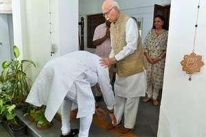 PM मोदी और शाह ने आडवाणी के घर जाकर लिया आशीर्वाद